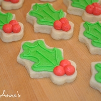 Holly Cookies With Buttercream