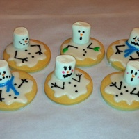 Melting Snowman Cookies I Made During The Polar Vortex This Winter Just Used Powdered Sugarwateregg White Icing And A Marshmallow Food W  Melting snowman cookies I made during the polar vortex this winter. Just used powdered sugar/water/egg white icing and a marshmallow. Food...