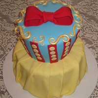 Snow White Cake This cake was inspired by Courtney's cake from Cake Nouveau, my client found her pic online and wanted me to replicate it, so I did my...