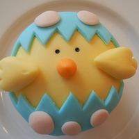 Easter Chick   Fondant cupcake