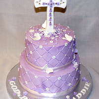 First Communion Cross and decorations are gumpaste, edible pearls and dragees. TFL