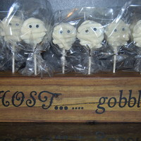 Oreo Mummy Cake Pops Oreo's covered with white candy melts and sugar eyes