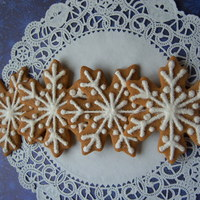 Gingerbread Snowflakes Decorated with royal icing and sanding sugar