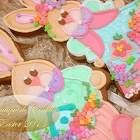 Easter Bunny  Design by Fabrícia SchmidtDecorated in royal icing .To see more models ... our fan page: Boutique de CookiesIs a great pleasure...