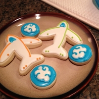 Airplane Cookies  Cookies for my nephew who just earned his pilots license!! Sugar cookies w/royal icing. Inspired by several random photos found via Google...