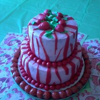 Strawberry Short Cake Theme I made this cake for a friends daughter who was turning 4, and loves strawberry shortcake. Her mom wanted something simple, but that had a...