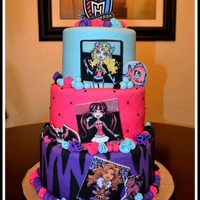 Monster High Cake! Client provided a pic of but since it was not watermarked I was not able to find the original designer!