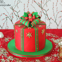 Christmas Gift Box Cake!! This crhistmas gift box is perfect for the holidays. In my website you can find the whole tutorial of this cake. hope you like it!!!