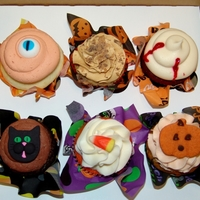 Spooky Sampler My Spooky Sampler this year consisted of white chocolate keylime slime filled eyeball, caramel apple, velvet vampire kiss, black kat (...