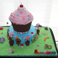 Giant Cupcakes And Bugs