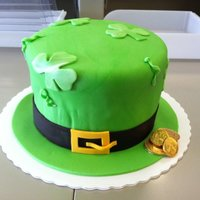 Lepricon Hat The cake is Irish cream flavored and green...naturally! hehe