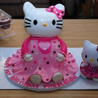 Kitty  Swiss chocolate cake with fresh strawberrys and strawberry creamcheese filling, not my favorite when it comes to fondant cakes . Head is...