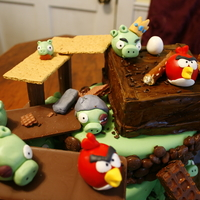 Angry Birds Cake & Cake Pops