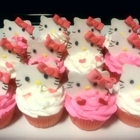 Hello Kitty Cupcakes   Vanilla Hello Kitty cupcakes