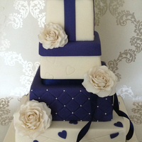 Navy Blue Gift Box Wedding Cake Logod 2