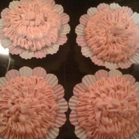 Ruffle Cupcakes Goolden vanilla cuppie with Strawberry SMBC.