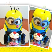 Despicable Me Minion Cake   Despicable Me Minion Cake