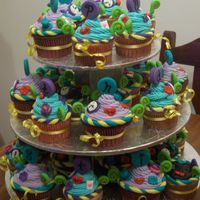 Whimsical Cupcakes   Alice in Wonderland theme cupcakes