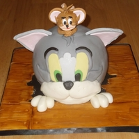 Tom & Jerry My attempt at Debbie Browns Tom & Jerry Cake from her book Cartoon Cakes. I had a bad cake day(s). The mallet had a tragic accident...