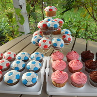 Soccer Ball Cupcakes   Cupcakes for my daughters AYSO bake sale. Original design copied from missjane.