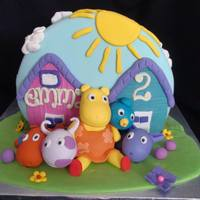 Backyardigan Cake round cake standing up all edible