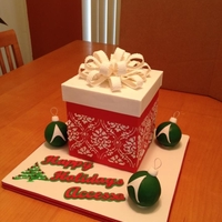 Accesso Holiday Cake