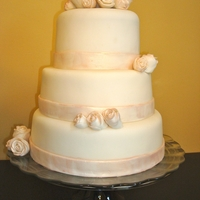 White Wedding Cake Lustre Dust Roses This was my first time using Lustre Dust. I liked the overall effect