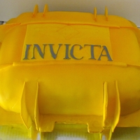 Invicta Box probably the most complicated to date! all the pieces that stick out are premade from gumpaste. all airbrushed