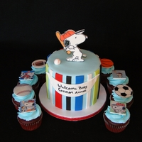 Snoopy Cupcake Tower Snoopy Cupcake Tower