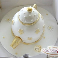 I Made This Vintage Teapot Cake For My Mil And She Totally Loved It I made this vintage teapot cake for my MIL and she totally loved it :)