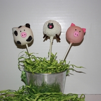 Farm Animal Cake Pops Pig, Sheep and Cow Cake Pops for a 4H basket.