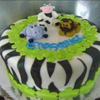 Little Animals I made this cake for my cousin in her baby shower, she loved the little animals and didnt want to cut the cake, we had to convince her to...