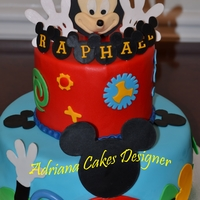 Mickey`s Clubhouse all is fondant, I used cricut cake for the characters.