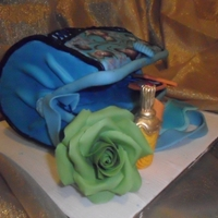 Cake Bag chocolate cake with a fondant flavored gum and brush technique