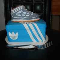Sneaker Cake And Box