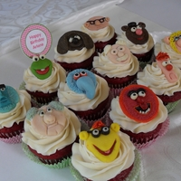 Muppets muppet cupcakes for a grown woman. Fondant toppers, lordy, these were alot more time consuming than I originally thought!