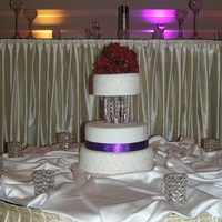 Round Weddding Cake 3 tier round wedding cake, quilted and hand beaded crystal seperator, fresh red roses