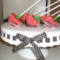 Chocolate Covered Strawberry Cake Pops   Got the idea from the Wilton POPs book