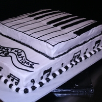 Piano Cake A piano cake that a person found online and asked me to recreate