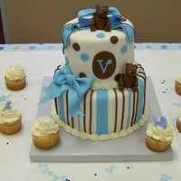 Baby Bear Baby Bear fondant cake and cupcakes for baby shower. Gumpaste bears and bows.