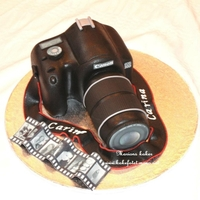 Camera Cake chocoladecake, with chocoladefilling and cover with marzipan , every ting is edible