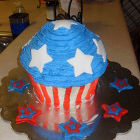 American Giant Cupcake! For my nephew's 1st birthday!