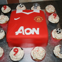 Man Utd Shirt And Cupcakes For a 9 year old boy - the Man Utd football shirt and matching cupcakes. Cupcake decorations and shirt accents are fondant mixed with...