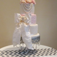 Wedding At The Riter Mansion The Pearls Were Gumpaste And Then Hand Strung And Attached To The Top Of The Cake The Lace Was From The Br Wedding at the Riter Mansion. The pearls were gumpaste and then , hand strung and attached to the top of the cake. The lace was from the...