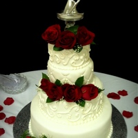 White Wedding Cake With Fresh Roses White wedding cake with fresh roses