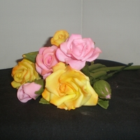 Gumpaste Roses gumpase roses, made after watching Edna De La Cruz's video...she took my roses from ugh to yeah!!!