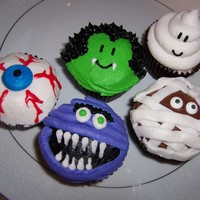 Trick N Treat!   halloween cupcakes