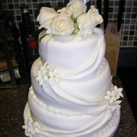 White Wedding Cake, White Roses