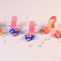 Tiny Gumpaste Shoes Gumpaste shoes made with Frankly Sweet Tiny Shoe Cutter Set.