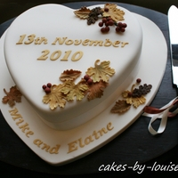 Autumnal Themed Wedding Cake   Autumnal themed heart shaped wedding cake